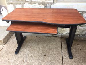 Computer table like new for Sale in St. Louis, MO