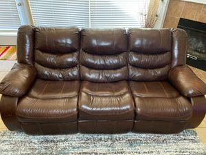 Ashley furniture recliner sofa set of 5 for Sale in SIENNA PLANT, TX