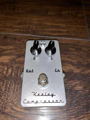 Keeley Compressor Classic 2-knob Version Guitar Effects Pedal for Sale in Redondo Beach, CA
