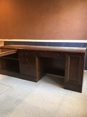 Large Desk with return for Sale in Tualatin, OR