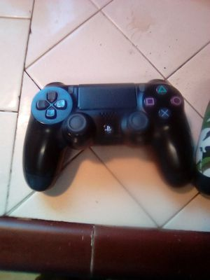 2 PS4 controllers 4 sale for Sale in Fresno, CA