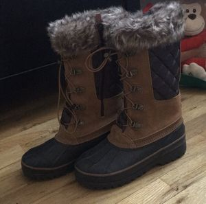 New Lands end snow boots for Sale in Queens, NY