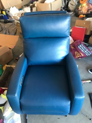 American leather recliner chairs 2 of them 1000 a piece for Sale in Phoenix, AZ
