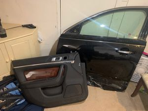 13 Lincoln MKS drive door for Sale in Yeadon, PA