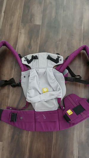 Lille baby carrier for Sale in Hampton, VA