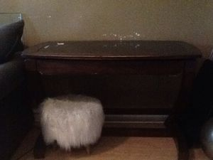 Desk for Sale in Philadelphia, PA