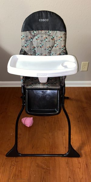 High chair for Sale in Fort Campbell, KY