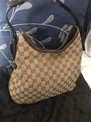 Authentic Gucci hobo style purse only 399$ obo for Sale in Corona, CA