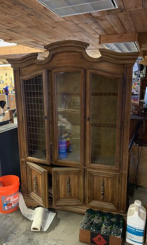 Buffet/Hutch - use as is or great item to update! for Sale in Princeton, MN
