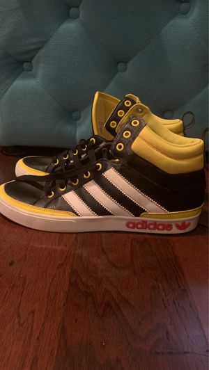 Vintage Adidas top court, mens size 10.5 for Sale in Sanford, FL