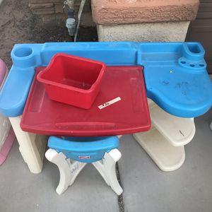 Kids Desk for Sale in Litchfield Park, AZ