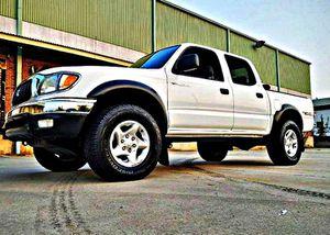ֆ14OO 4WD Toyota Tacoma Clean for Sale in Great Falls, VA
