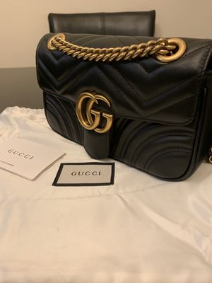 GUCCI Marmont small Matelassé shoulder bag for Sale in Los Angeles, CA