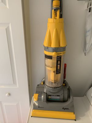 Vacuum Dyson for Sale in Coconut Creek, FL