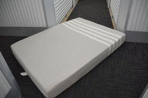 Queen CASPER mattress (and simple frame) for Sale in Mercer Island, WA