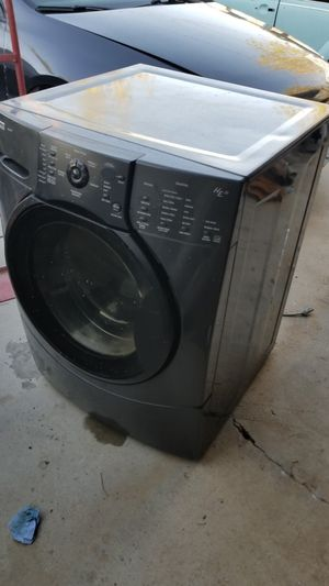 Kenmore washer and dryer used elite for Sale in Hesperia, CA
