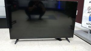 Vizio 42 in Smart TV brand new with out box display item for Sale in Warren, MI