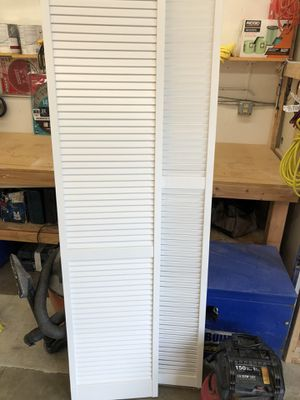 "2 prepainted 36"" bi folds Louvered for Sale in Everett, WA"