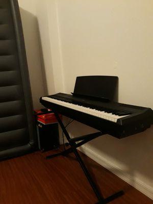 Yamaha p115 keyboard for Sale in Miami, FL