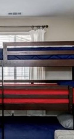 Triple Bunk Bed for Sale in Lakewood,  CA