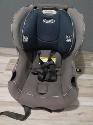 Very clean car seat and reclines for Sale in Houston, TX