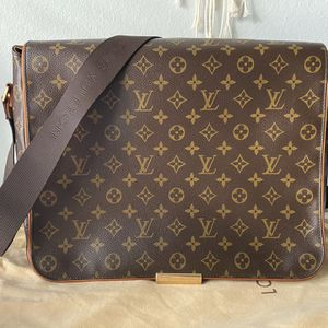 Louis vuitton Messenger Bag for Sale in Anaheim, CA