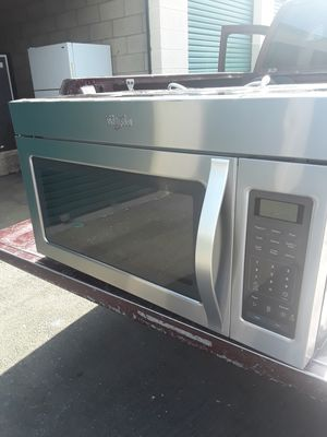 Microwave over the stove wirpoohl nice and clean everything works 30 inches wide the price is for each for Sale in Corona, CA
