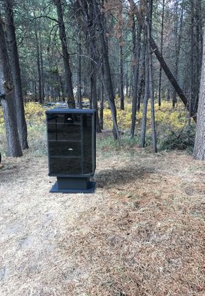 Black Entertainment center for stereo for Sale in Bend, OR