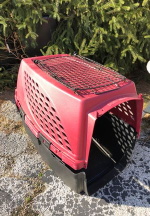 Medium to large dog crate. for Sale in Florissant, MO