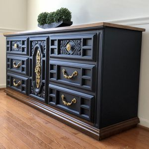 Dresser / buffet Table for Sale in Gainesville, VA