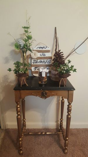 Home decor(Table not included) for Sale in Columbia, SC