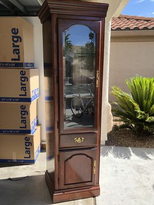 Display Case Cabinet for Sale in Las Vegas, NV