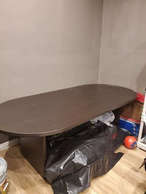 Office furniture desk for Sale in Glendale, CA
