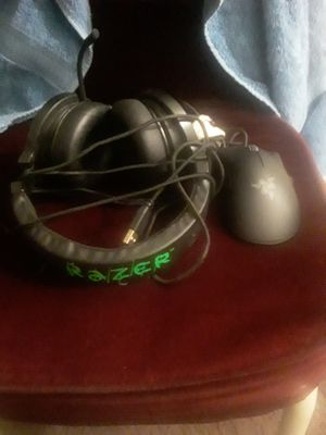 Razor gaming headphones w mic and mouse for Sale in Dallas, TX