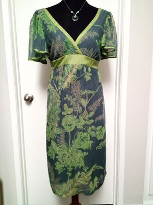 Silk Green Floral Short Sleeve Dress with Sash sz 8 JONATHAN MARTIN for Sale in Lake Forest, CA