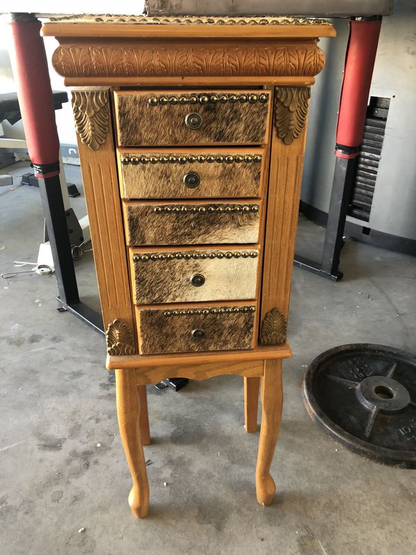 Jewelry box trade for kitchen/household items for Sale in Mesa, AZ - OfferUp