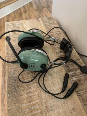 David Clark's H10-20 Aviation Headset with advance noise cancellation for Sale in Algonquin, IL
