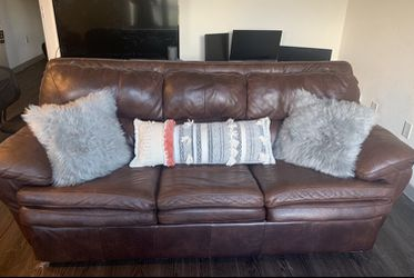 Gently used brown leather pullout couch for Sale in Austin,  TX