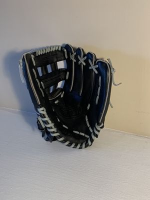 Wilson softball glove - Adult size for Sale in Denver, CO