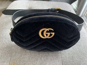 Authentic Gucci Marmont Velvet Belt Bag! for Sale in San Diego, CA
