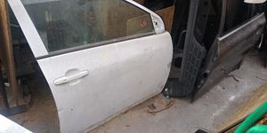 2009 2010 2011 2012 2013 Corolla door for Sale in Lynwood, CA