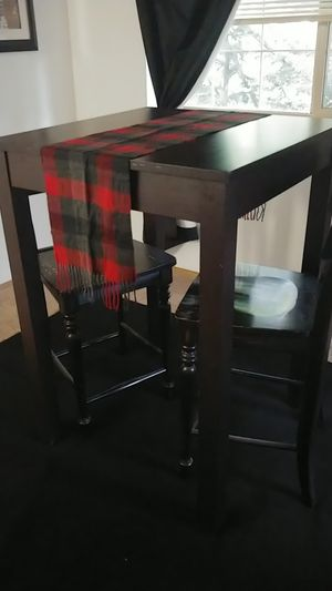 Dining Room Table and Chairs for Sale in Kirkland, WA