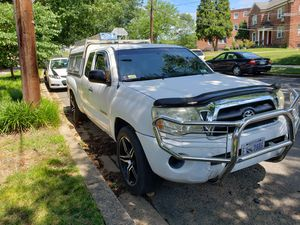 Truck Toyota tacoma 08 for Sale in Washington, DC