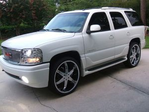 excellent driving 2005 GMC Yukon Denali for Sale in Garden Grove, CA