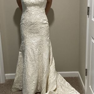 Brand New Oleg Cassini Wedding Dress for Sale in Auburn, WA