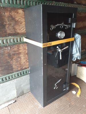 Large Gunsafe - Amsec FV6033E5 - Exc. Cond. for Sale in Miramar, FL