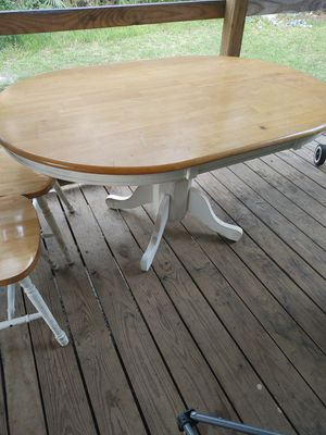 Dining room table for Sale in Kathleen, GA
