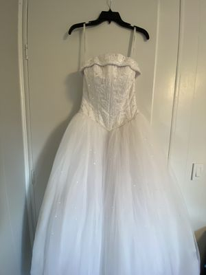 Beautiful David's bridal Michaelangelo wedding dress size 4 for Sale in Auburn, WA