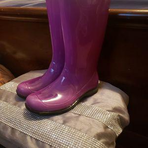Lavender/ Purple Ish Rain Boots for Sale in Union City, GA