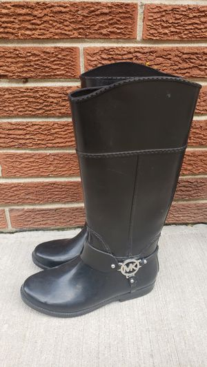 Michael Kors rain boots size 8 for Sale in Tinley Park, IL